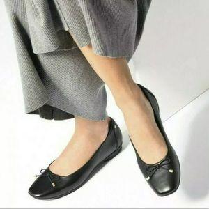 Clarks Artisan Candra black square toe flats